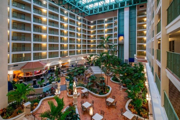 Booking MVP Hotel Overview 04